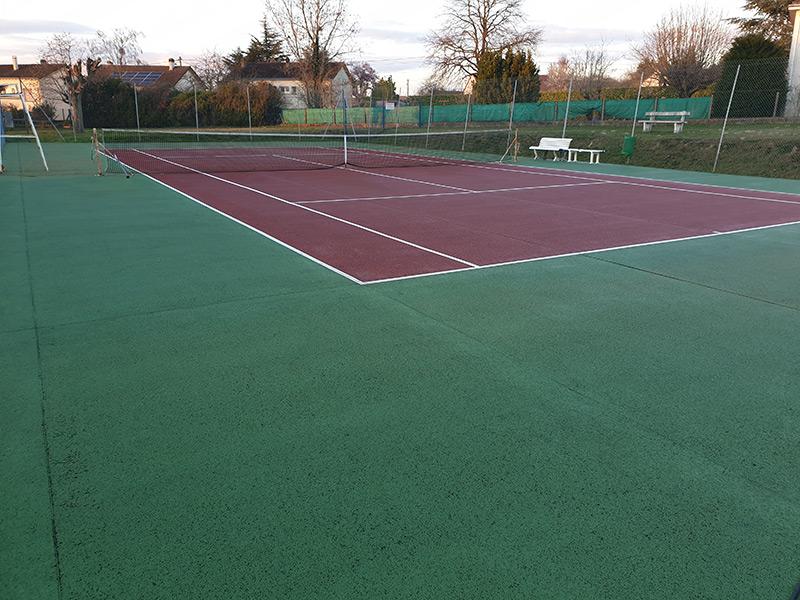 Terrain de Tennis nettoyé à l'hydro décapage